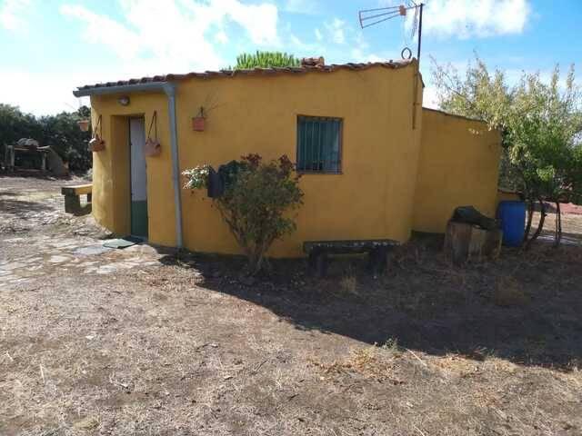 imagen 1 de Venta de finca rústica en San Vicente De Alcántara (Badajoz)