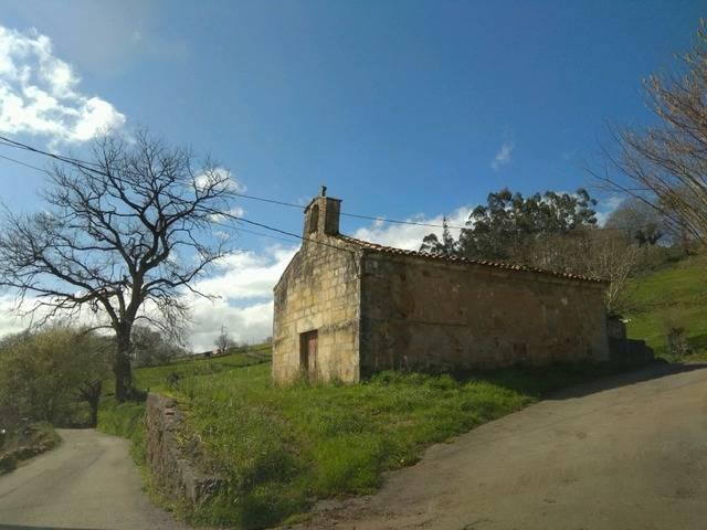 imagen 1 de Venta de finca con ermita en Castañeda (Cantabria)