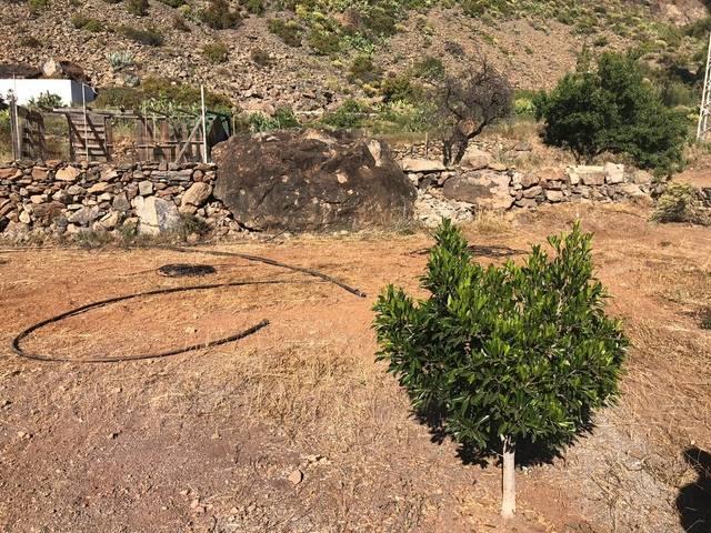 imagen 1 de Venta de terreno con casa en Vecindario (Las Palmas)