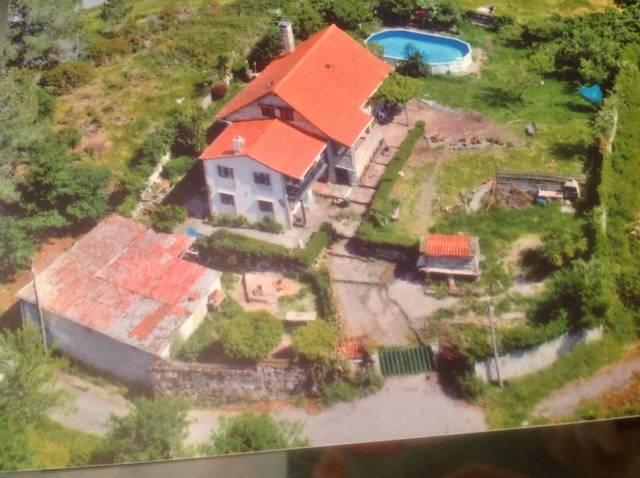 imagen 1 de Venta de bonita finca con casa en Ponte Caldelas