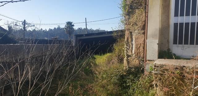 imagen 1 de Venta de parcela con casa a restaurar en Cambados