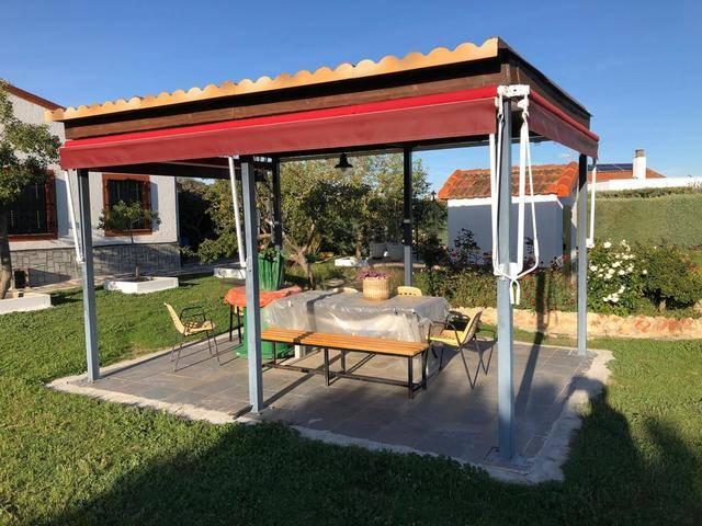 imagen 1 de Venta de terreno con vivienda y jardines en Salamanca