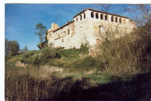 imagen 1 de Venta de terreno con antigua masía en Arboli (Tarragona)