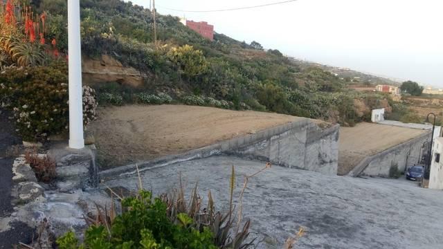 imagen 1 de Venta de terreno con con cueva en Fasnia (Tenerife)