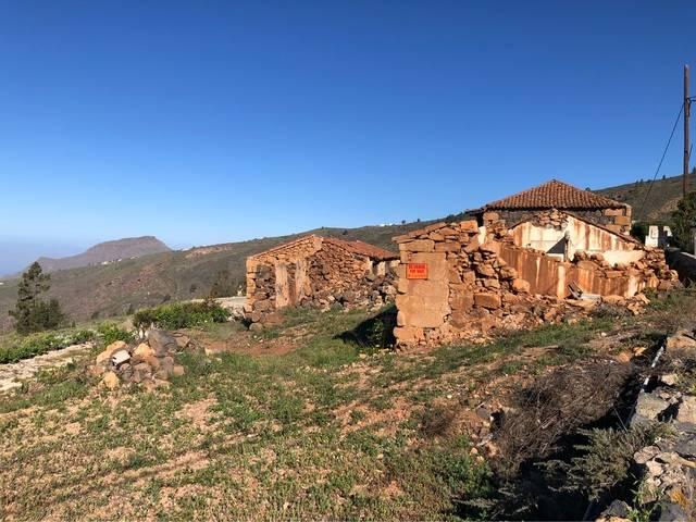imagen 1 de Venta de terreno con casas para restaurar en Jama (Tenerife)