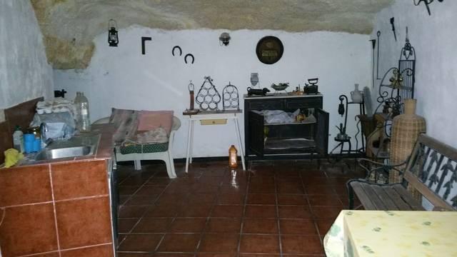 imagen 1 de Venta de terreno con casa y cueva en Güímar