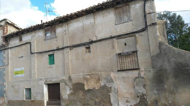 imagen 1 de Venta de casa rural con terreno en Villalba Baja (Teruel)