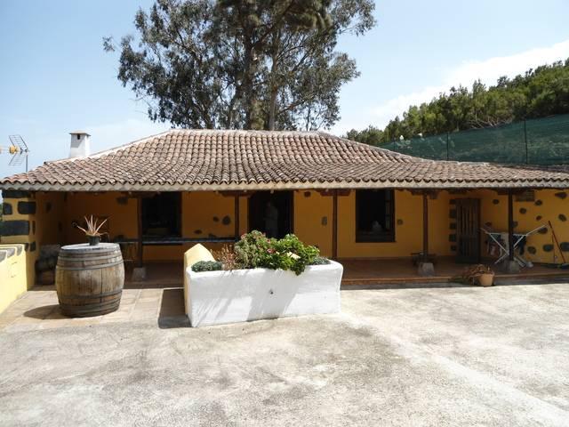imagen 1 de Venta de casa rural con terreno en El Tanque