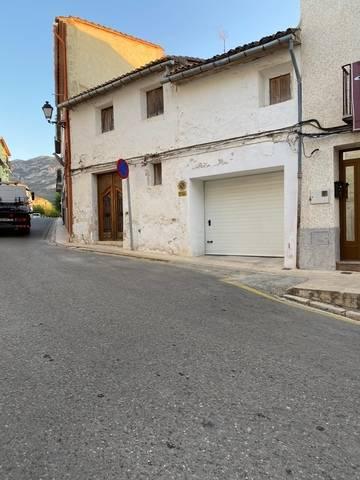 imagen 1 de Venta de dos casas rurales en Otos (Valencia)