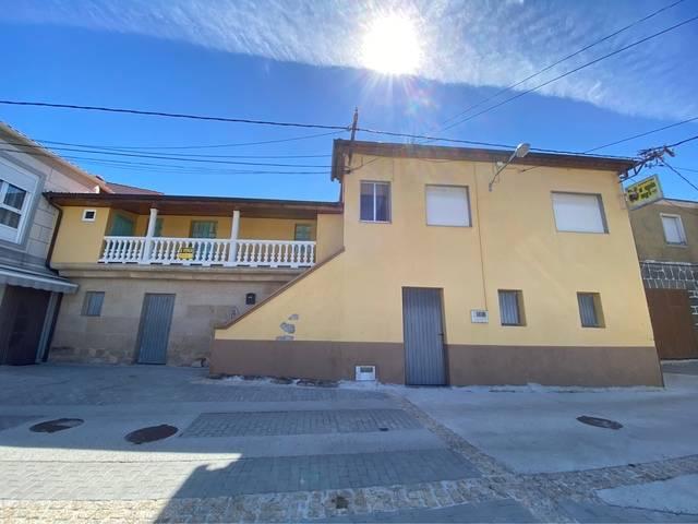 imagen 1 de Venta de vivienda rural en Sarreaus (Ourense)