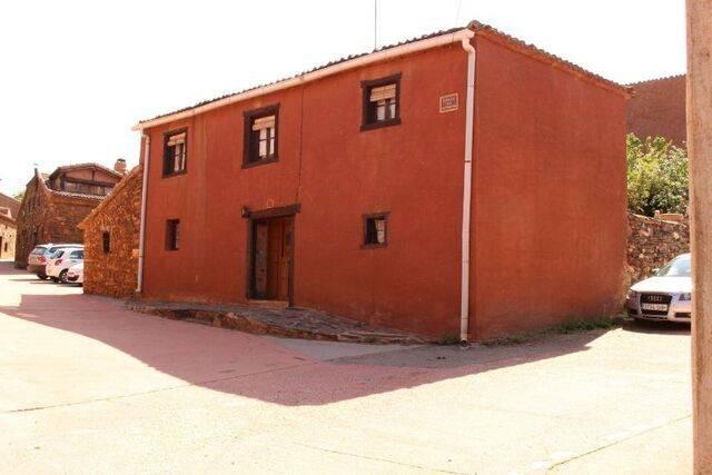 imagen 1 de Venta de casa de pueblo en Riaza (Segovia)