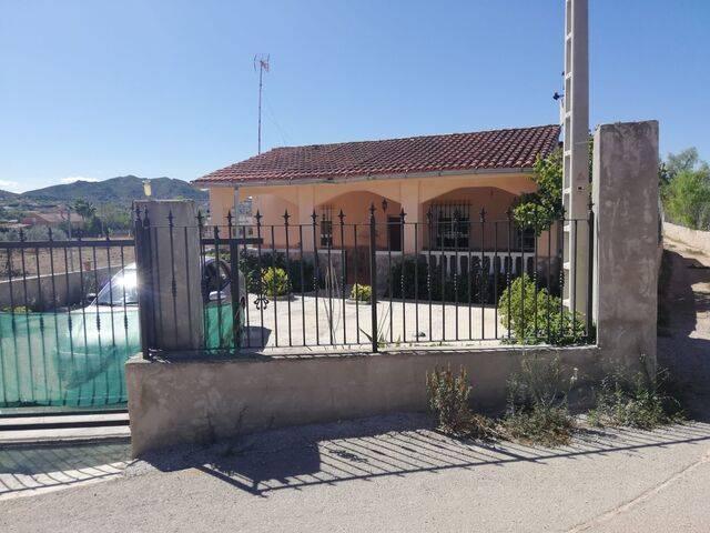 imagen 1 de Venta de casa de campo en Casas de Galiana (Alicante)