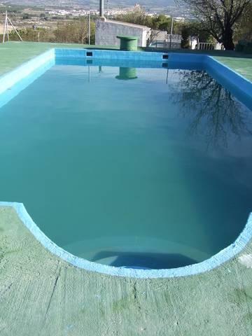 imagen 1 de Venta de casa de campo con terreno y piscina en Elda