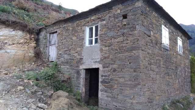 imagen 1 de Casa para restaurar en A Fonsagrada (Lugo)