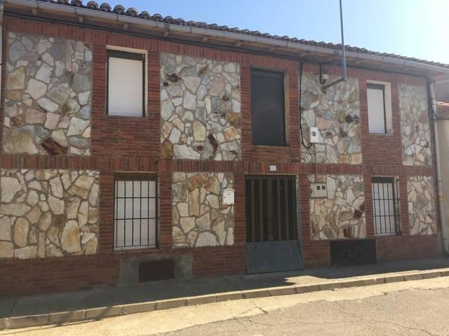 imagen 1 de Venta de casa de pueblo en Valdemorilla (León)