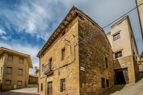 imagen 1 de Casa de piedra y negocio en Rioja Alavesa