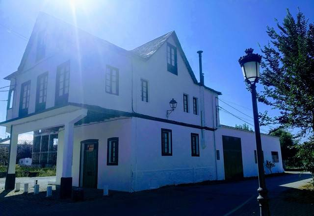 imagen 1 de Venta de casa de pueblo en Cacabelos
