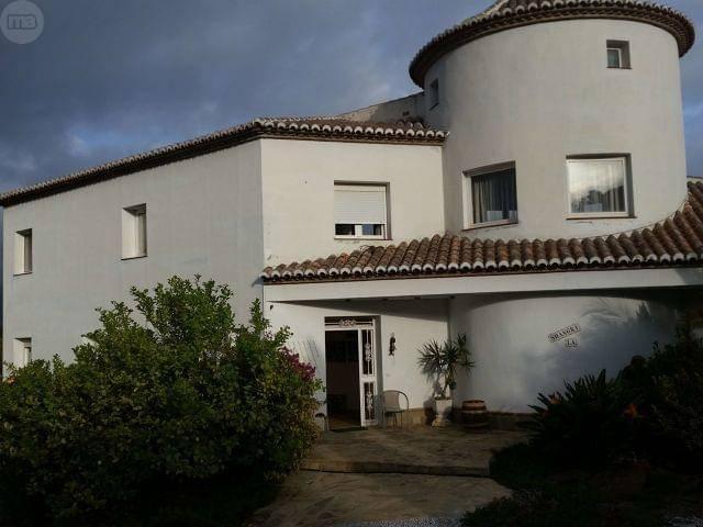 imagen 1 de Venta de lujosa casa rural en La Viñuela (Málaga)
