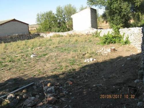 imagen 2 de Venta de parcela con pozo y palomar en Medinilla de la Dehesa (Burgos)