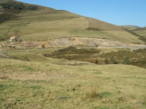 imagen 1 de Venta de gran terreno con casa en Agüera de Montija (Burgos)