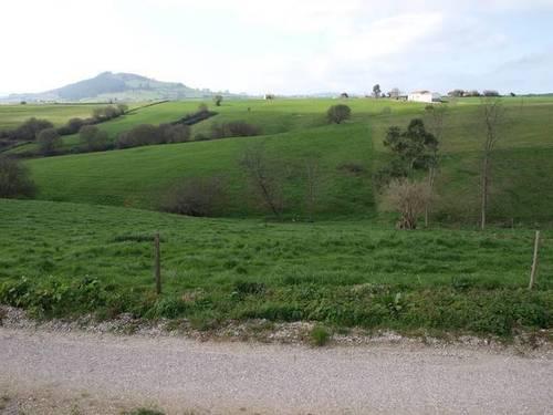 imagen 1 de Venta de fincas en Viveda (Cantabria)