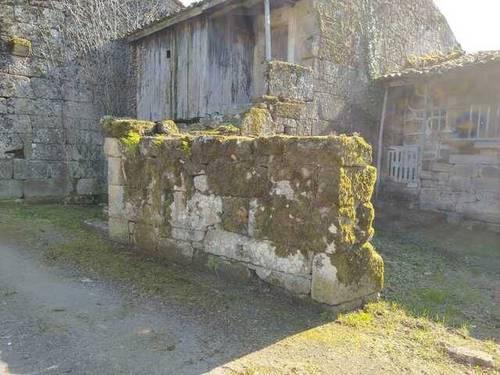 imagen 4 de Venta de terreno con 2 casas de piedra a reformar en Vilamarin