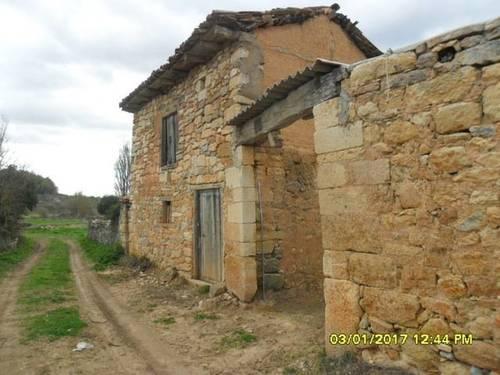 imagen 1 de Venta de terreno con nave en Cozuelos  de Ojeda (Palencia)
