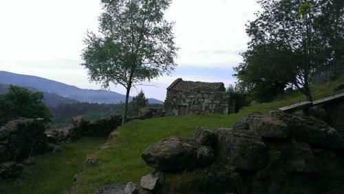 imagen 1 de Venta de preciosa finca con casa en Lameiro (Potevedra)