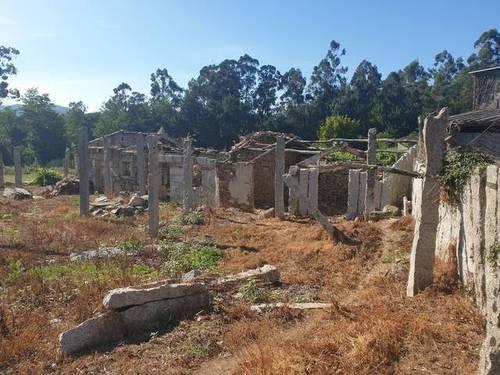 imagen 3 de Venta de terreno con casa en Salceda (Pontevedra)