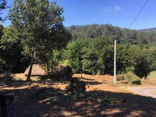 imagen 4 de Venta de terreno con antigua casa y cuadra en Redondela