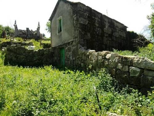 imagen 1 de Venta de terreno con casa en Mondariz (Pontevedra)
