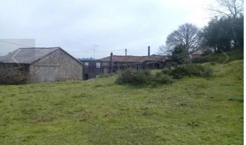 imagen 1 de Se vende terreno con casa en ruinas en Silleda