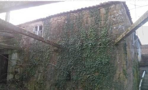 imagen 2 de Se vende terreno con casa en ruinas en Silleda