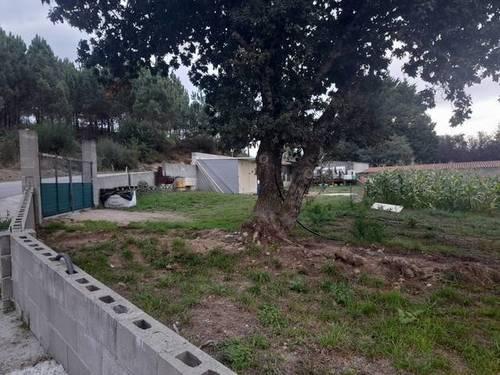 imagen 1 de Finca cerrada y edificable en Caldas de Reis (Pontevedra)