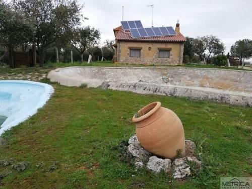 imagen 1 de Venta de preciosa finca con casa en Calvarrasa de Arriba (Salamanca)