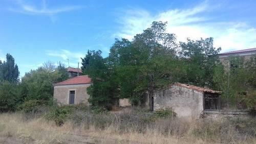 imagen 1 de Venta de finca con varias construcciones en Lumbrales