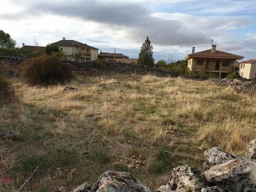 imagen 3 de Venta de parcela urbana con vistas a la sierra en Segovia