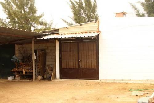 imagen 2 de Venta de casa con terreno en Utrera (Sevilla)