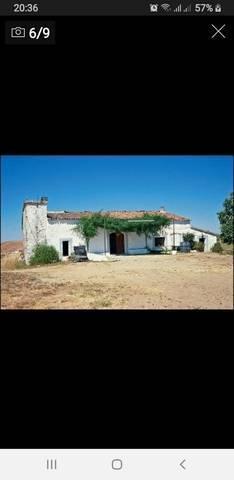 imagen 1 de Finca con casería y lagar en Cazalla de la Sierra (Sevilla)