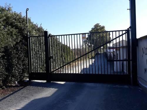 imagen 3 de Venta de parcela rústica vallada en Dos Hermanas