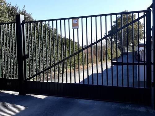 imagen 1 de Venta de parcela rústica vallada en Dos Hermanas