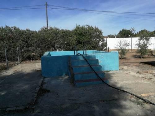 imagen 2 de Venta de parcela con casa y plaza de toros en Guillena