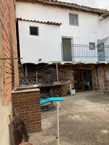 imagen 2 de Venta de finca con dos viviendas en Ólvega