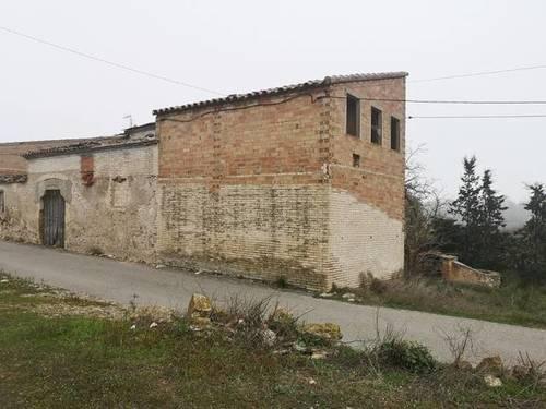 imagen 2 de Terreno con construcción en Mora d´Ebre (Tarragona)