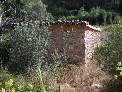 imagen 3 de Venta de terreno en Arnes rodeado de naturaleza