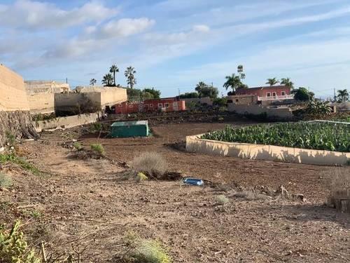 imagen 2 de Venta de terreno con vivienda en Guia de Isora (Tenerife)