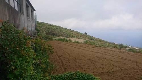 imagen 1 de Venta de terreno con casa de aperos en Mazo (Tenerife)