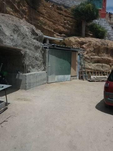 imagen 3 de Venta de terreno con vivienda, cuevas y viñedo en Fasnia (Tenerife)