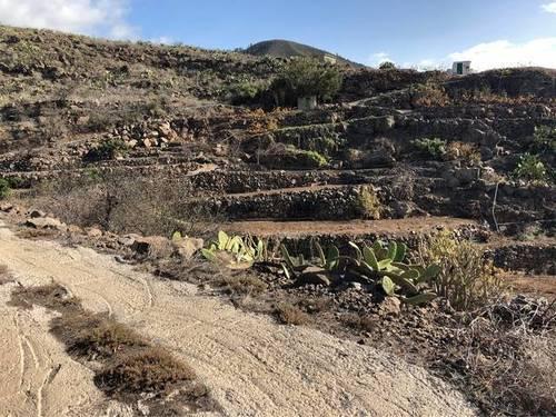 imagen 3 de Venta de terreno rústico con agua en Santiago del Teide (Tenerife)
