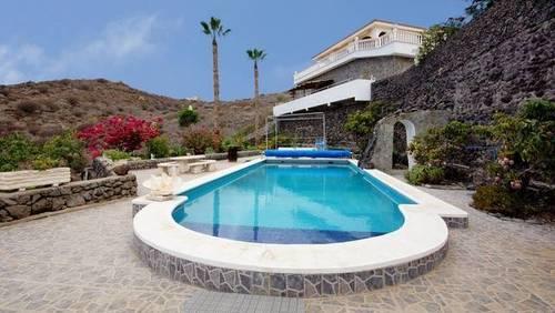 imagen 2 de Venta de casa rural de lujo en Alcala (Tenerife)